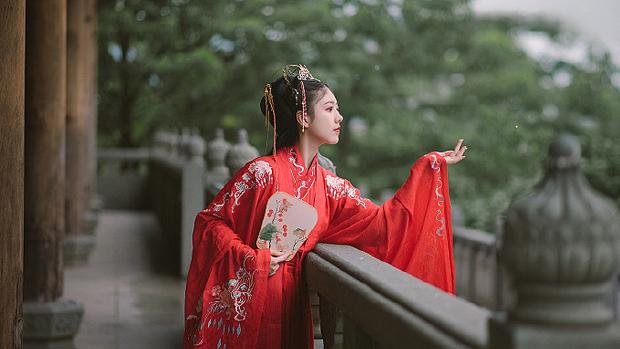 中华服饰起源和发展