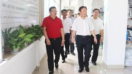 自治区统战部部长徐绍川莅临伟德国际调研指导工作